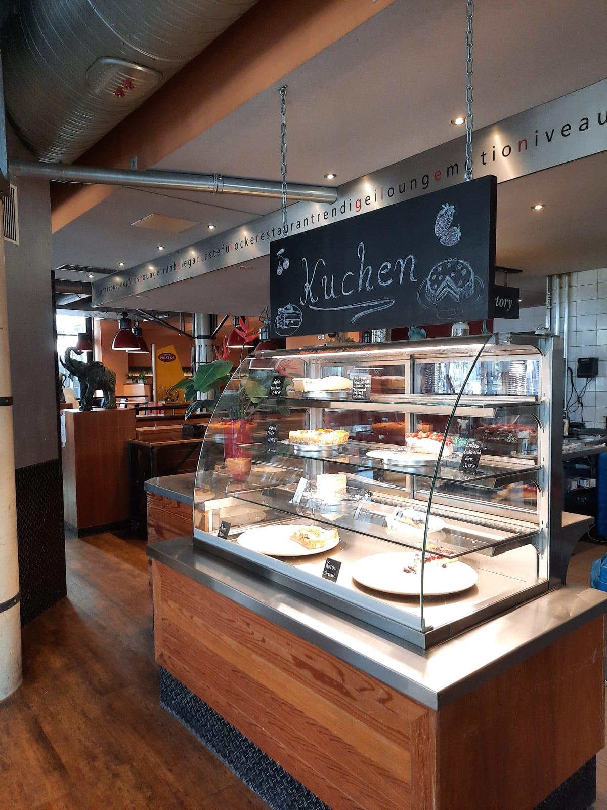 Cafe Solo Dortmund Kuchentheke